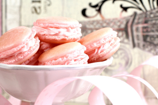 Free Pink Macaron Flavor Picture for Android, iPhone and iPad