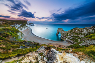 Durdle Door on Jurassic Coast in Dorset, England Background for Android, iPhone and iPad