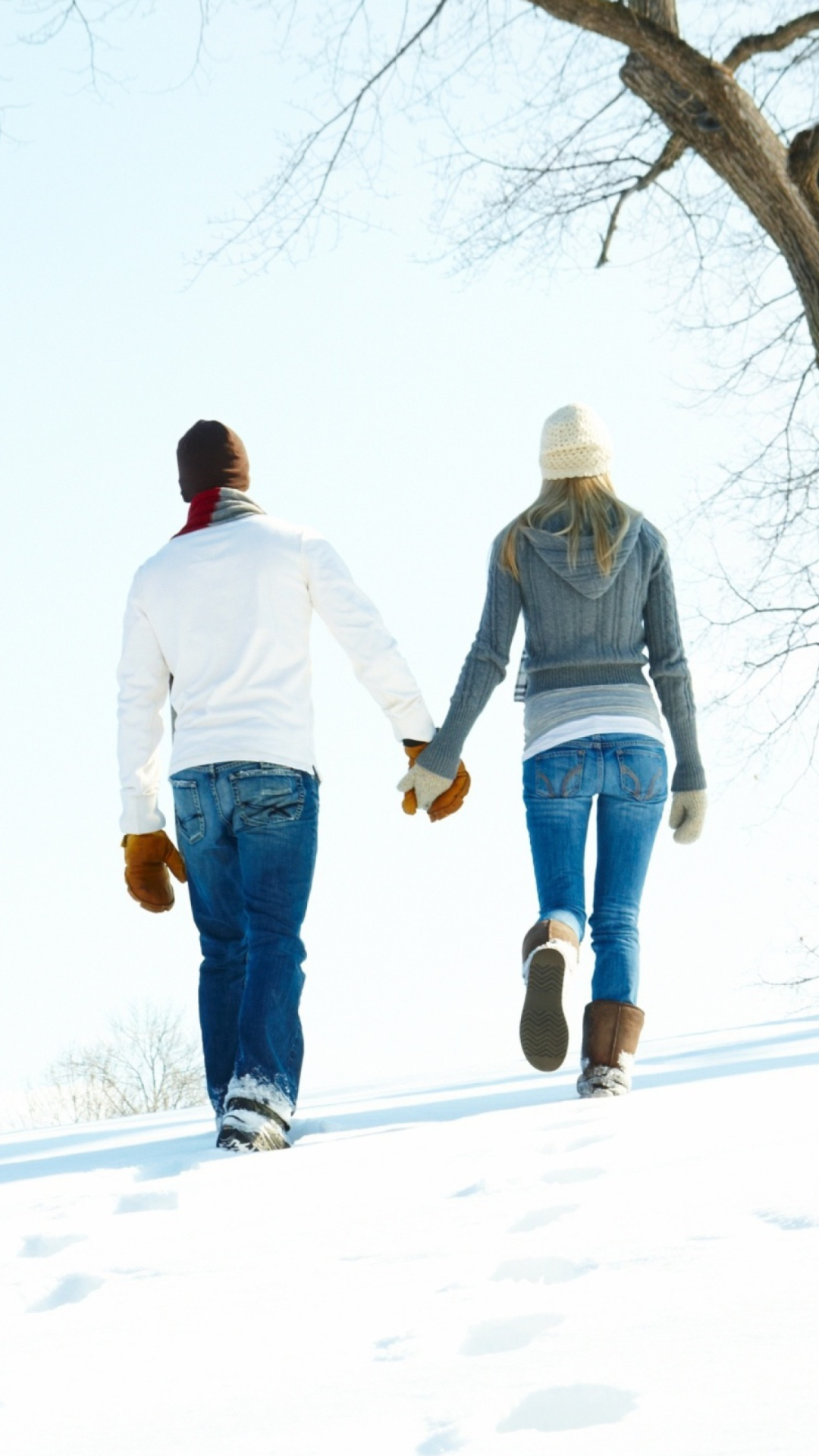 Screenshot №1 pro téma Romantic Walk Through The Snow 1080x1920