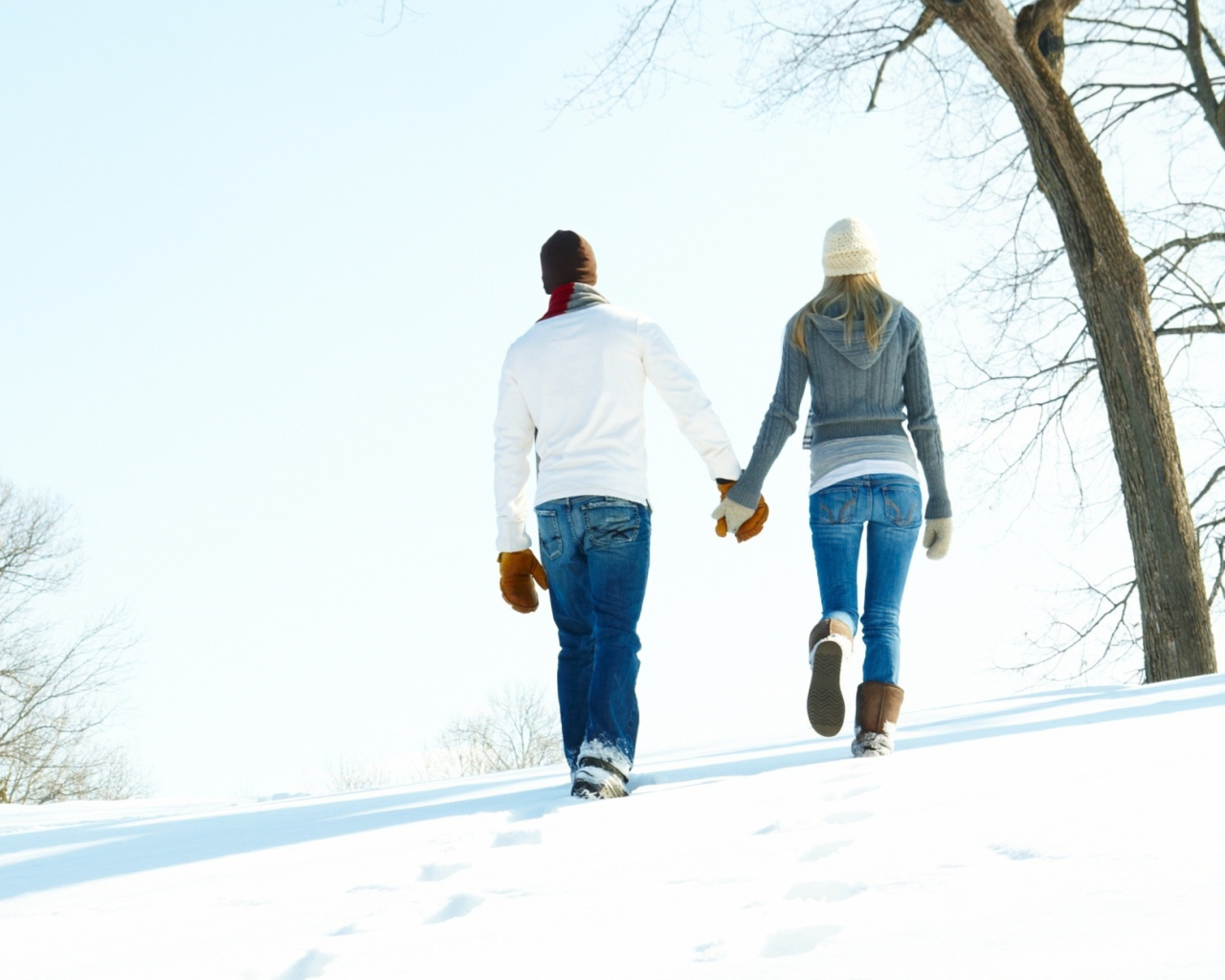 Das Romantic Walk Through The Snow Wallpaper 1280x1024