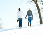 Screenshot №1 pro téma Romantic Walk Through The Snow 176x144