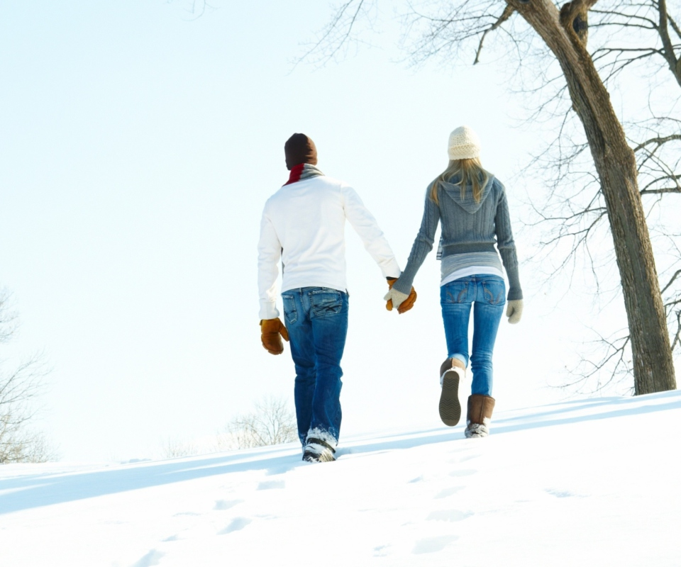 Screenshot №1 pro téma Romantic Walk Through The Snow 960x800