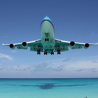 Free Boeing 747 Maho Beach Saint Martin Picture for iPad