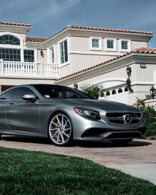Mercedes Benz S63 AMG Coupe Picture for 240x320