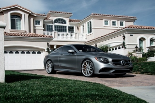 Free Mercedes Benz S63 AMG Coupe Picture for Samsung Galaxy S5