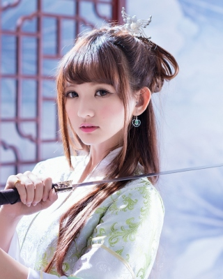 Free Samurai Girl with Katana Picture for iPhone 6 Plus
