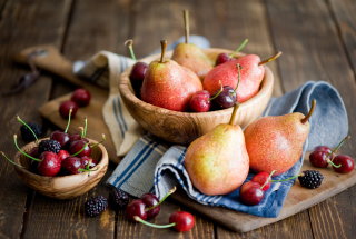 Pears And Cherries sfondi gratuiti per cellulari Android, iPhone, iPad e desktop