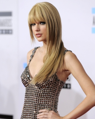 Taylor Swift On Red Carpet Background for HTC Titan