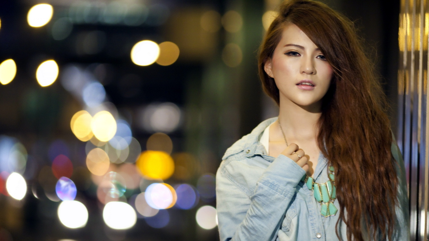 Screenshot №1 pro téma Beautiful Girl 1366x768