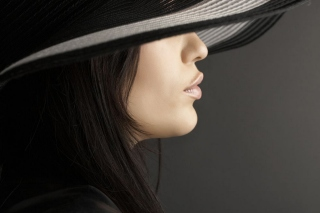 Woman in Black Hat Wallpaper for Android 480x800