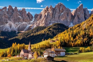 Villnoss South Tyrol Background for Android 480x800