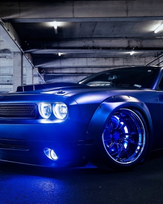 Картинка Blue Dodge Challenger для телефона и на рабочий стол HTC Trophy