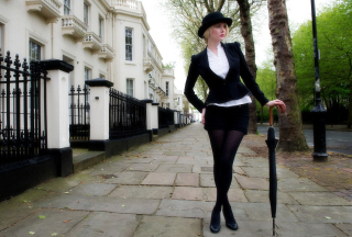 Free London Girl Picture for Android, iPhone and iPad