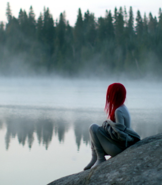 Girl With Red Hair And Lake Fog - Obrázkek zdarma pro Nokia C1-02