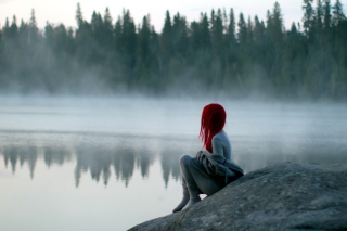 Обои Girl With Red Hair And Lake Fog для Android 960x800