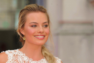 Margot Robbie Actress Wallpaper for Android, iPhone and iPad