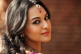 Sonakshi Sinha Wallpaper for Android, iPhone and iPad