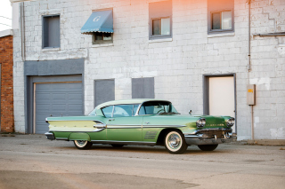 Pontiac Bonneville 1954 Background for Android, iPhone and iPad
