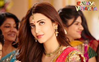 Shruti Haasan Ramaiya Vastavaiya Picture for Samsung Galaxy Tab 3