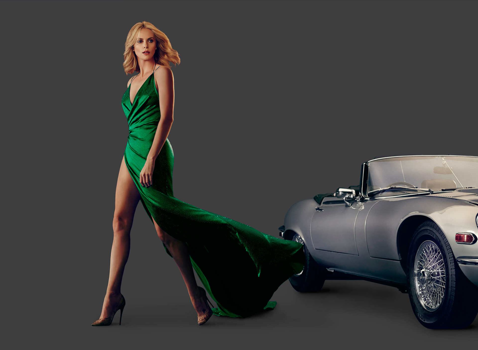 Screenshot №1 pro téma Charlize Theron in Car Advertising 1920x1408