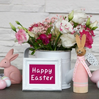 Happy Easter with Hare Figures sfondi gratuiti per iPad mini