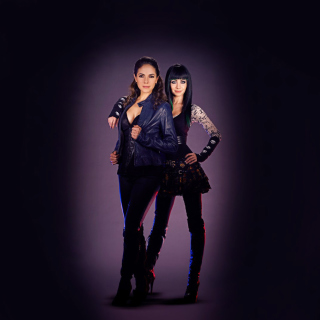 Lost Girl with Anna Silk and Ksenia Solo - Fondos de pantalla gratis para iPad