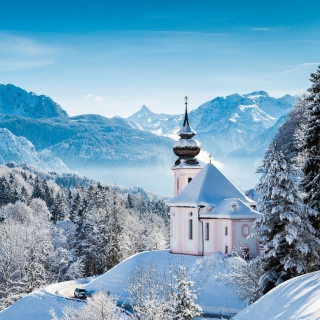 Bavaria under Snow Background for LG KP105