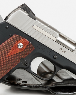 Free Sig Sauer 1911 Pistol Picture for iPhone 6 Plus