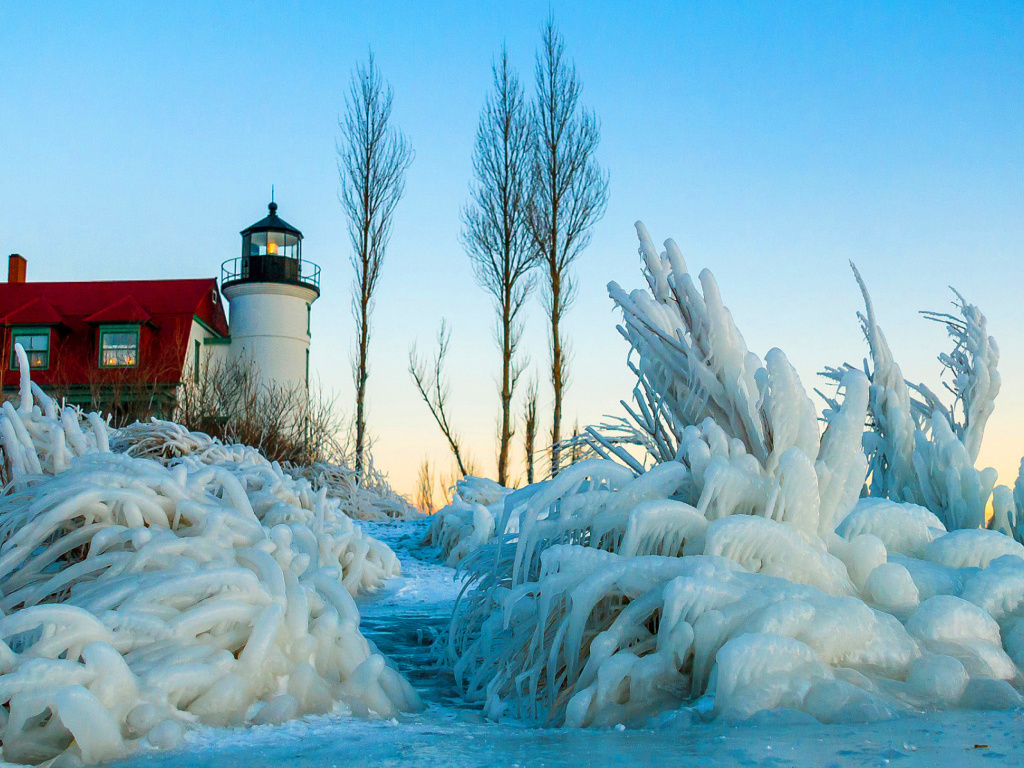 Screenshot №1 pro téma Winter Frozen Lighthouses 1024x768