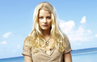 Emilie de Ravin Background for Android, iPhone and iPad