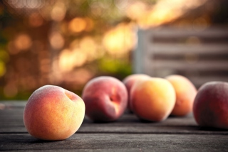 Peaches sfondi gratuiti per cellulari Android, iPhone, iPad e desktop