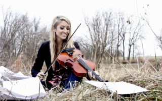 Free Blonde Girl Playing Violin Picture for Android, iPhone and iPad