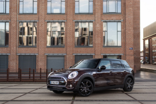 2018 MINI Cooper Clubman Wallpaper for Android 480x800