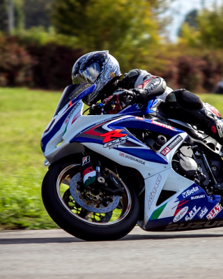 Suzuki GSX R Bike Wallpaper for Nokia C-5 5MP