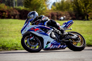 Free Suzuki GSX R Bike Picture for Android, iPhone and iPad