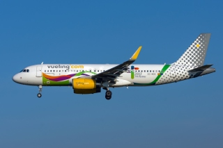 Airbus A320 Vueling Airlines Background for 1366x768