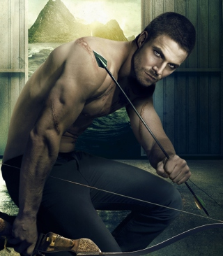 Oliver Queen Green Arrow Picture for 240x320