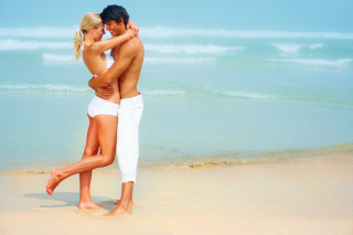 Lovely Couple On Beach sfondi gratuiti per cellulari Android, iPhone, iPad e desktop