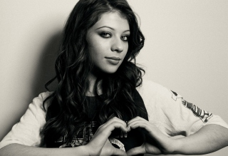 Michelle Trachtenberg Monochrome Wallpaper for Android, iPhone and iPad