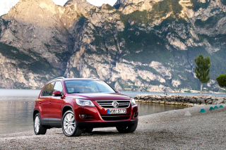 Volkswagen Tiguan Compact SUV Wallpaper for Android, iPhone and iPad