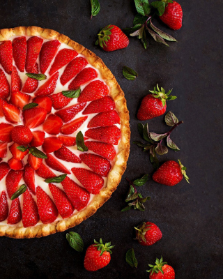 Strawberry pie Background for Nokia Asha 305