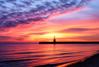 Lighthouse And Red Sunset Beach - Obrázkek zdarma pro 480x360