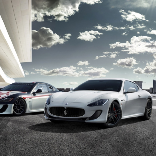Free Maserati Cars Picture for iPad