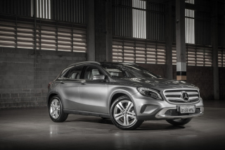 Free Mercedes Benz GLA Picture for Android, iPhone and iPad