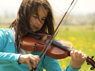 Girl Playing Violin Picture for Android, iPhone and iPad