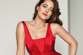 Dakota Johnson in Vogue Magazine sfondi gratuiti per HTC Raider 4G