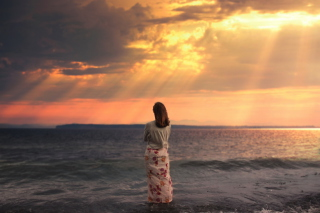 Free Girl And Stormy Sea Picture for Android, iPhone and iPad