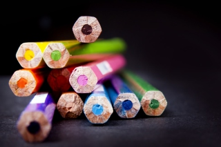 Bright Colorful Pencils sfondi gratuiti per 1080x960