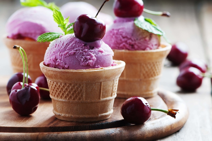 Pink Ice cream scoops wallpaper