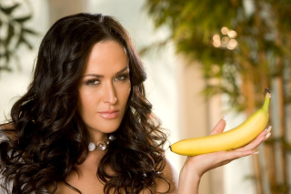 Brunette with bananas Wallpaper for Desktop 1280x720 HDTV